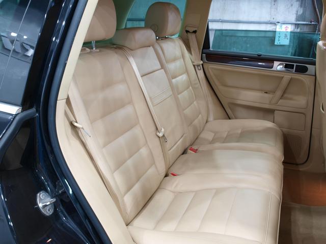 「フォルクスワーゲン」「VW トゥアレグ」「SUV・クロカン」「大阪府」の中古車21
