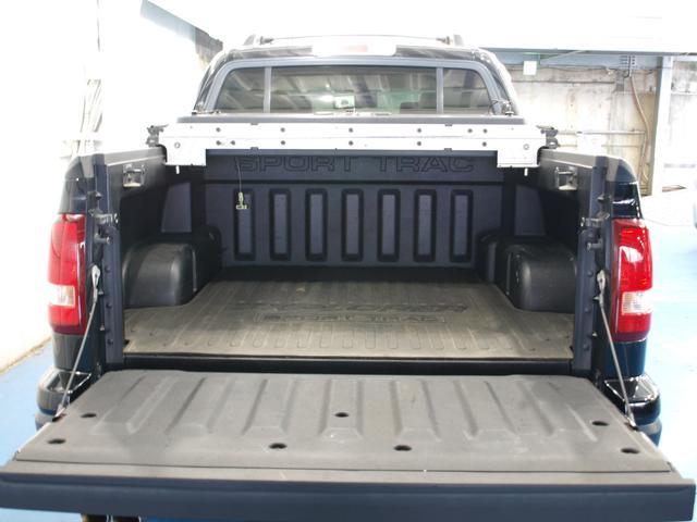 「フォード」「フォード エクスプローラースポーツトラック」「SUV・クロカン」「鹿児島県」の中古車31
