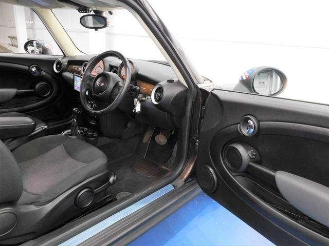 万が一の車両トラブルも安心の自社キャリアカー完備の無料代車完備です