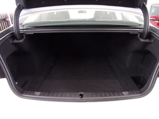 740d xDrive エクゼクティブ デモカー黒レザーSR(9枚目)