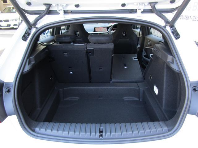M135i xDrive 弊社デモカー 新車保証継承 リバースアシスト アクティブクルーズ 電動リアゲート 電動フロントシート コンフォートアクセス 18インチAW バックカメラ 全周囲センサー 衝突軽減ブレーキ SOSコール(26枚目)