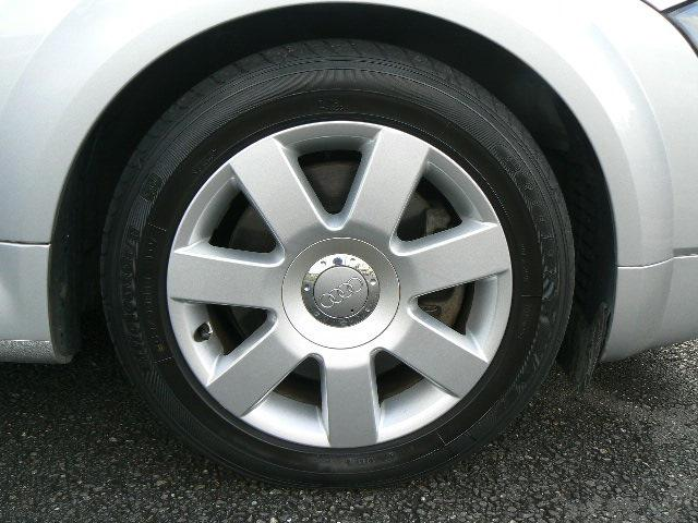 タイヤは納車時に4本とも新品交換いたします。タイヤ代金.交換工賃などは車両価格に含んでおります。