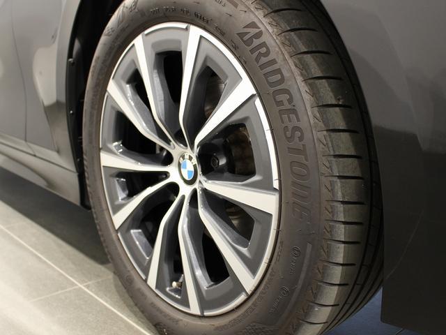 320d xDrive プラスパッケージ 17インチアロイホイール アクティブクルーズコントロール 衝突軽減ブレーキ 車線逸脱 後方検知(10枚目)