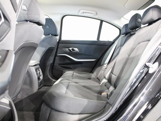 320d xDrive プラスパッケージ 17インチアロイホイール アクティブクルーズコントロール 衝突軽減ブレーキ 車線逸脱 後方検知(65枚目)