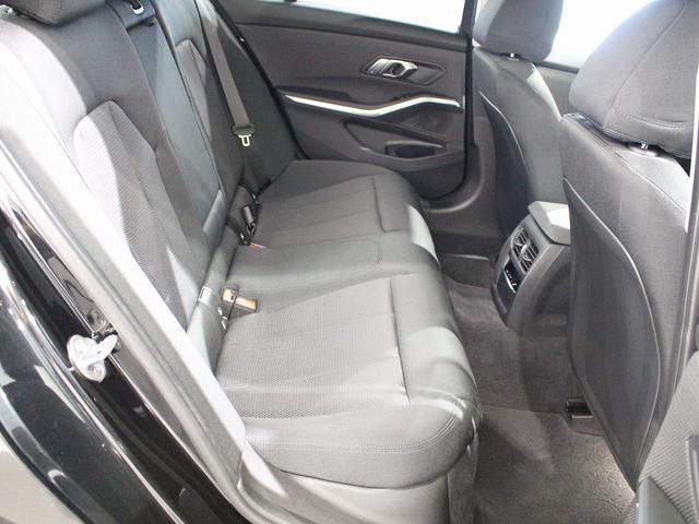 320d xDrive プラスパッケージ 17インチアロイホイール アクティブクルーズコントロール 衝突軽減ブレーキ 車線逸脱 後方検知(67枚目)