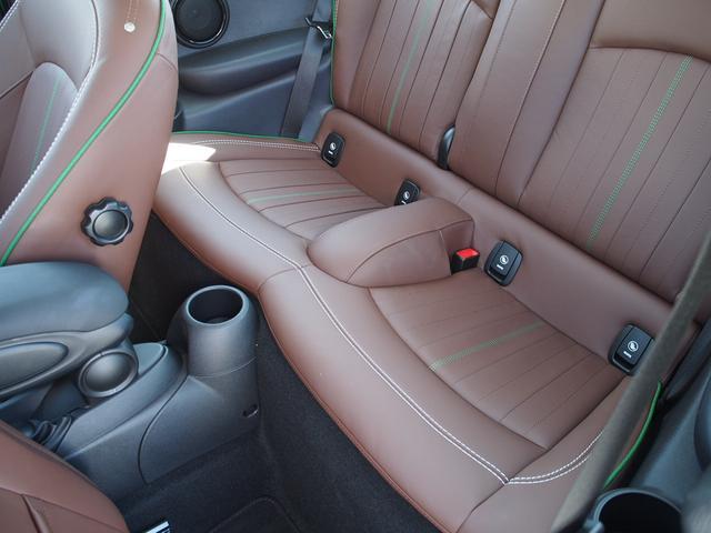 クーパー 3ドア 60周年限定車 専用ダークマロンレザーシート 専用レザーステアリング シートヒーター LEDライトパッケージ ペッパー クルコン 安全装備(5枚目)