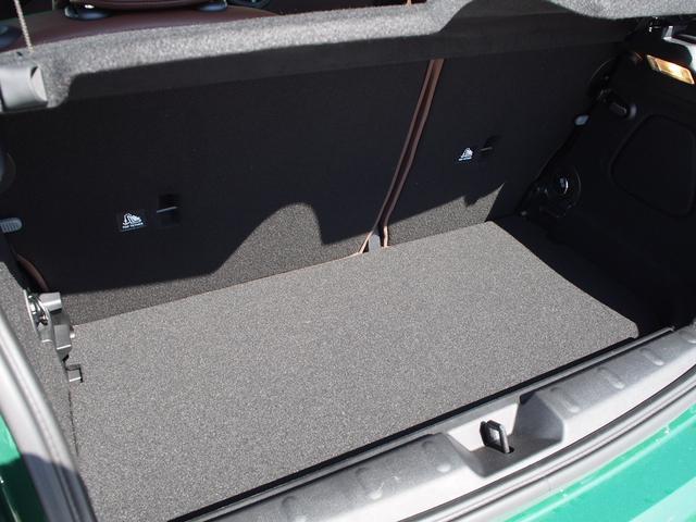 クーパー 3ドア 60周年限定車 専用ダークマロンレザーシート 専用レザーステアリング シートヒーター LEDライトパッケージ ペッパー クルコン 安全装備(24枚目)