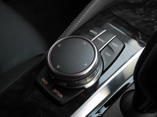 iドライブの操作スイッチです。上位モデルのウッド調パネルがオシャレですね!