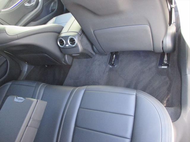 正規販売店の認定中古車は、第三者検査専門機関(AIS)に寄って、内外装から機関に至るまで公正かつ厳正に検査されています。詳しくはスタッフまでお問合せ下さい。