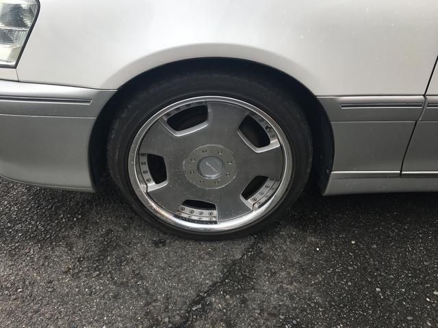 トヨタ クラウン ロイヤルサルーンG 外18AW マルチ