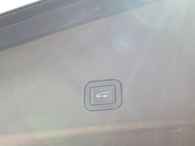 「キャデラック」「キャデラック SRXクロスオーバー」「SUV・クロカン」「大阪府」の中古車16