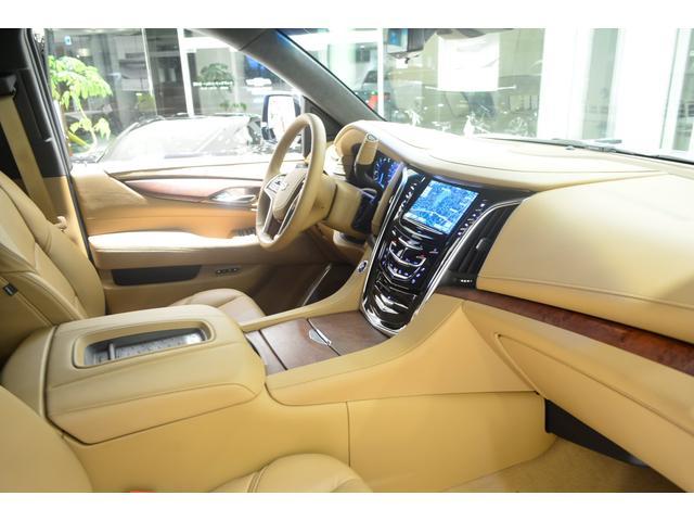 キャデラック キャデラック エスカレード プラチナム GM正規D車 マグネティックライド サンルーフ