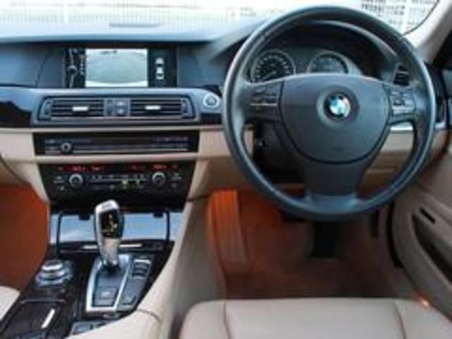 BMW BMW 523i ハイラインパッケージサンル-フベ-ジュ革HDDナビ