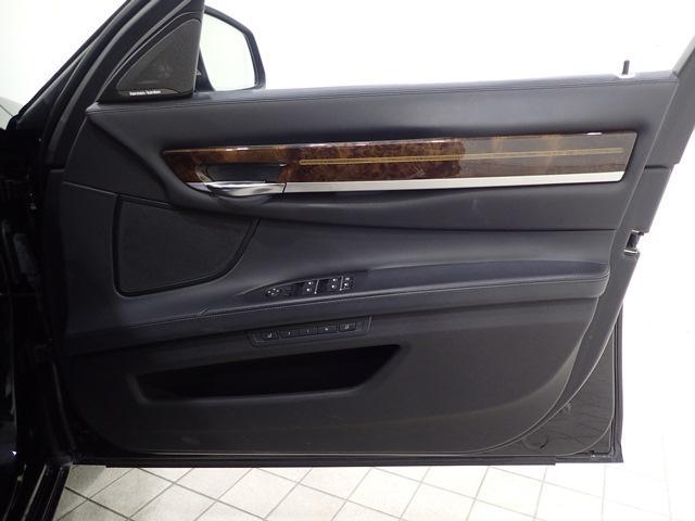 760Li 認定保証V12TBリアエンターLEDヘッドライト(20枚目)