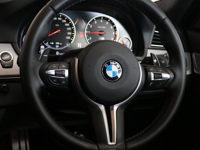 M5認定保証サンルーフLEDヘッドライト黒革右ハンドル(16枚目)