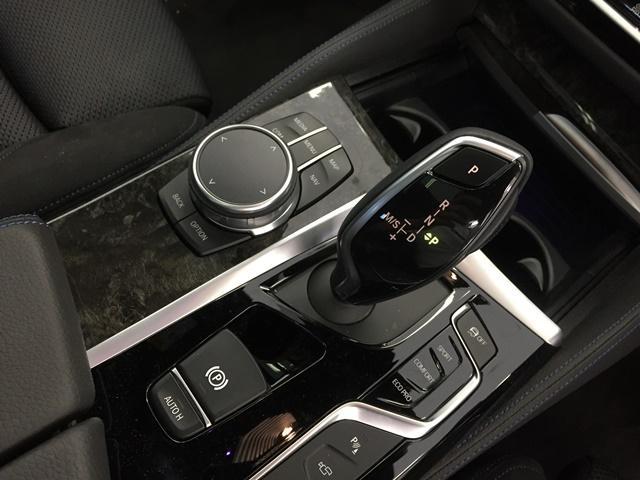 お車の整備も、日本屈指の規模を誇る東灘テクニカルセンターで、経験豊富な優秀なメカニックがメンテナンス致します!是非、六甲アイランド店にお車の事はお任せ下さいませ♪