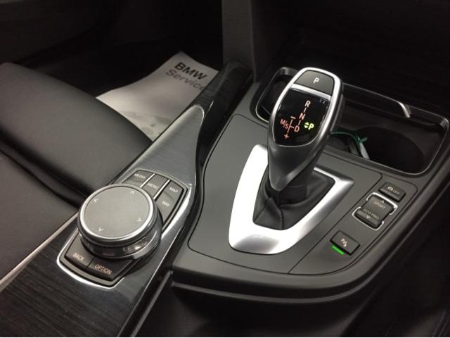320d Mスポーツ弊社元デモカー黒革シートヒーターLED(11枚目)