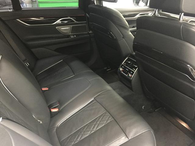 「BMW」「7シリーズ」「セダン」「兵庫県」の中古車19