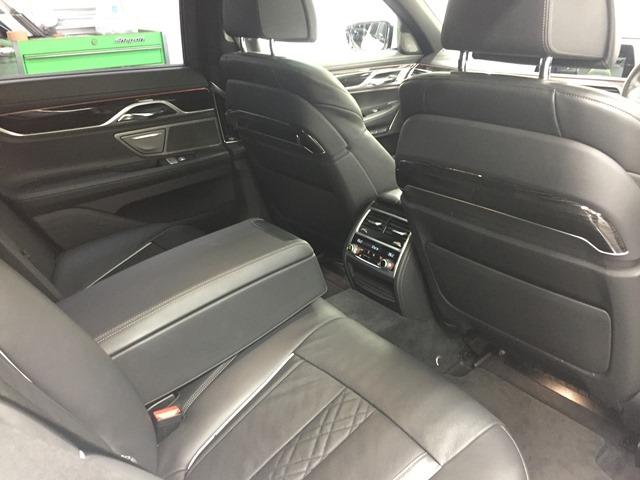 「BMW」「7シリーズ」「セダン」「兵庫県」の中古車58