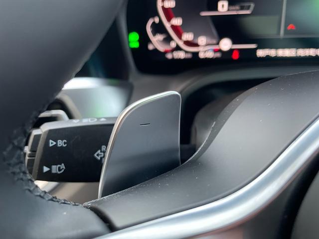 M340i xDrive 高速道路渋滞時ハンズ・オフ・アシスト オイスターレザー パーキングアシストプラス レーザーライト 19インチAW ハーマンカードンスピーカー ヘッドアップディスプレイ  衝突軽減ブレーキ G20(38枚目)