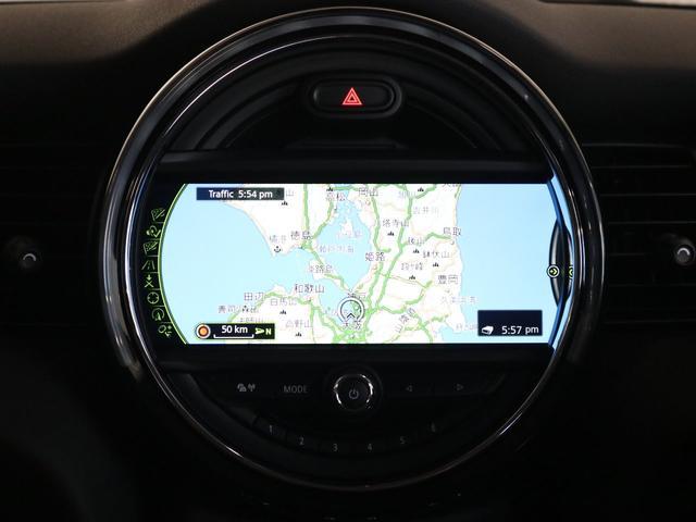 「HDDナビ」です。マップだけでなくBluetoothを繋いでいただくとお客様の携帯電話などの音楽を楽しんで頂く事ができます。