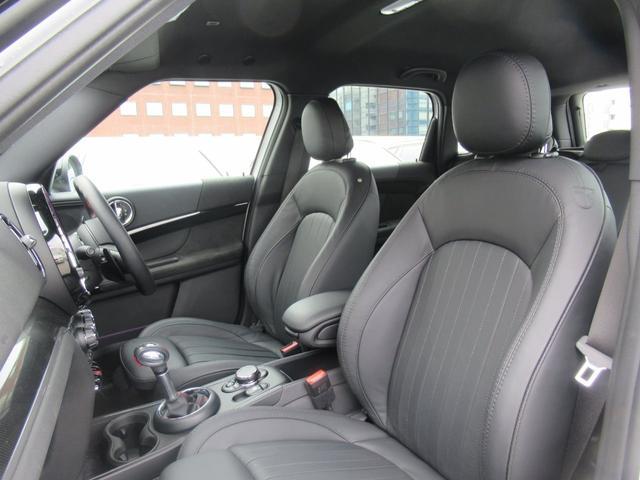 ジョンクーパーワークス クロスオーバー ブラックレザー スポーツシート シートヒーター 電動シート ブラックルーフ アクティブクルーズコントロール ヘッドアップディスプレイ 電動リアゲート 障害物センサー ランフラットタイヤ 19インチAW(38枚目)