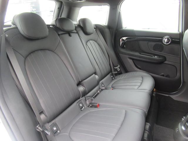 ジョンクーパーワークス クロスオーバー ブラックレザー スポーツシート シートヒーター 電動シート ブラックルーフ アクティブクルーズコントロール ヘッドアップディスプレイ 電動リアゲート 障害物センサー ランフラットタイヤ 19インチAW(39枚目)