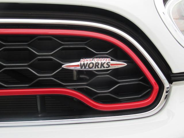 ジョンクーパーワークス クロスオーバー ブラックレザー スポーツシート シートヒーター 電動シート ブラックルーフ アクティブクルーズコントロール ヘッドアップディスプレイ 電動リアゲート 障害物センサー ランフラットタイヤ 19インチAW(54枚目)