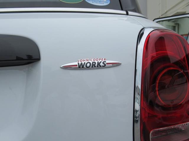 ジョンクーパーワークス クロスオーバー ブラックレザー スポーツシート シートヒーター 電動シート ブラックルーフ アクティブクルーズコントロール ヘッドアップディスプレイ 電動リアゲート 障害物センサー ランフラットタイヤ 19インチAW(56枚目)
