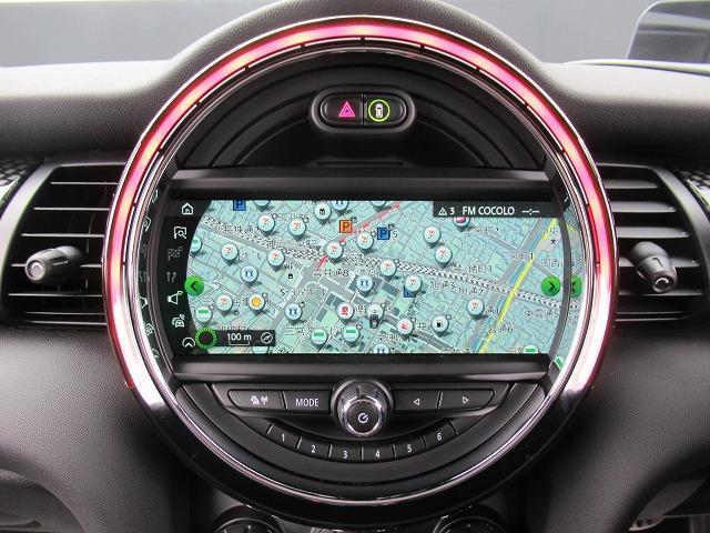 ジョンクーパーワークス アップルPKG ワイヤレスPKG アクティブクルーズコントロール ドライビングアシスト ヘッドアップディスプレイ LEDライト 純正HDDナビ 純正ミラーETC 17インチAW ステンレスペダルカバー(52枚目)