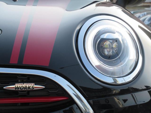 ジョンクーパーワークス クラブマン ダイナミカレザー シートヒーター アクティブクルーズコントロール ヘッドアップディスプレイ リアカメラ 障害物センサー ミラー内蔵型ETC LEDヘッドライト 19インチAW(46枚目)