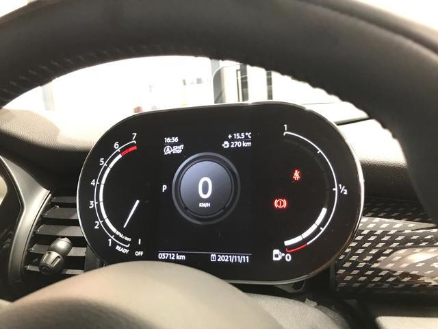 クーパーS オプション17インチAW デジタルPKG ペッパーPKG カメラPKG クロスシート シートヒーター ヘッドアップディスプレイ 社外地デジ アームレスト ホワイトルーフ インテリジェントセーフティ(21枚目)