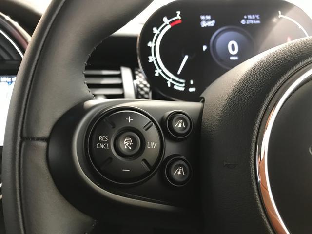 クーパーS オプション17インチAW デジタルPKG ペッパーPKG カメラPKG クロスシート シートヒーター ヘッドアップディスプレイ 社外地デジ アームレスト ホワイトルーフ インテリジェントセーフティ(22枚目)