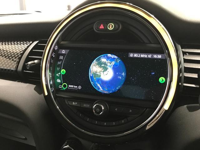 クーパーS オプション17インチAW デジタルPKG ペッパーPKG カメラPKG クロスシート シートヒーター ヘッドアップディスプレイ 社外地デジ アームレスト ホワイトルーフ インテリジェントセーフティ(35枚目)