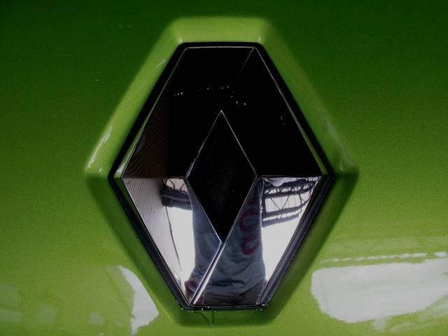 ベースグレード タイヤ4本新品無料 ワンオーナー 禁煙車 ボイスガイド式ETC キーレスエントリーシステム プレミアムカラー 純正アルミホイール 取扱説明書 点検整備記録簿 キーレス機能付きスペアキー有り(25枚目)