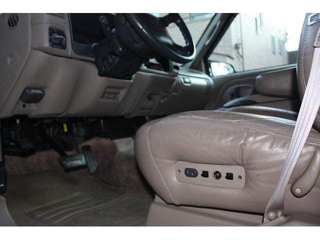 「シボレー」「シボレー タホ」「SUV・クロカン」「兵庫県」の中古車28