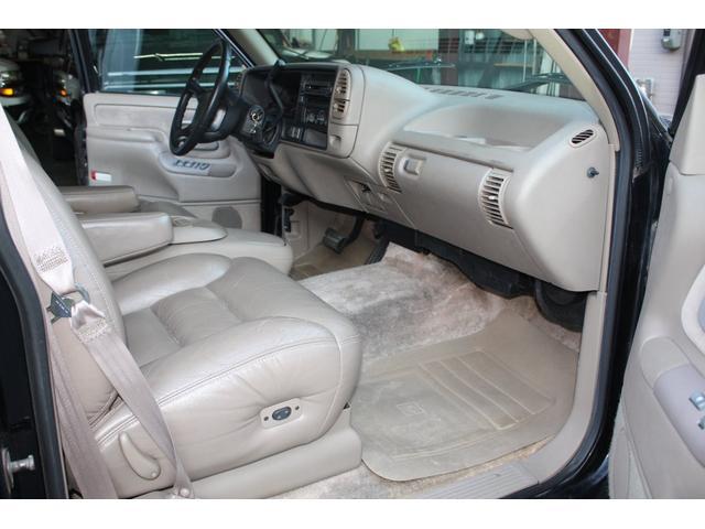 「シボレー」「シボレー タホ」「SUV・クロカン」「兵庫県」の中古車36