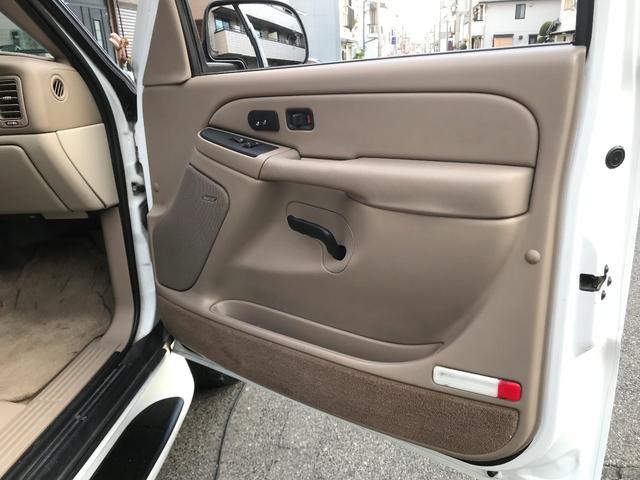 「シボレー」「シボレー サバーバン」「SUV・クロカン」「兵庫県」の中古車52