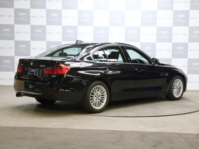 320i xDriveラグジュアリ 黒革ナビ(9枚目)
