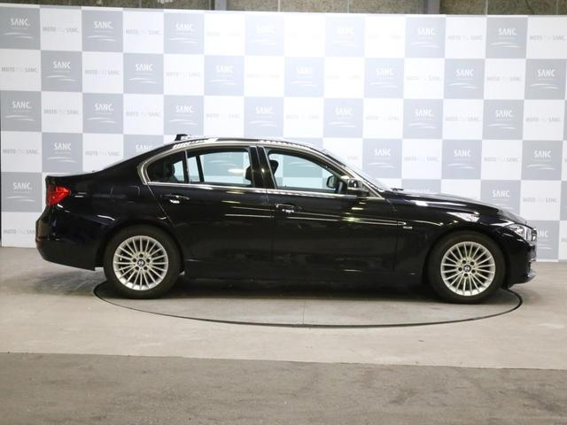 320i xDriveラグジュアリ 黒革ナビ(10枚目)
