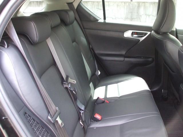 レクサス CT CT200h バージョンL 1オーナー禁煙車 黒革Pシート