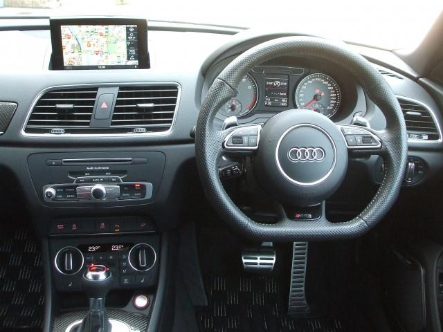 アウディ アウディ RS Q3 ベースグレード 禁煙車 黒革Sシート オートテールゲート
