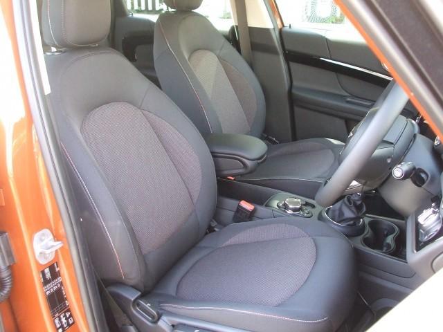 MINI MINI クーパーD クロスオーバー オール4 登録済 未使用車