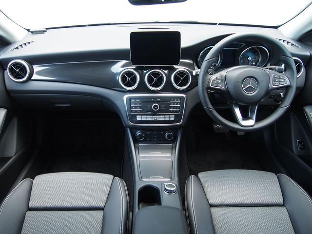 CLA180 AMGスタイル セーフティP 新車保証継承(4枚目)