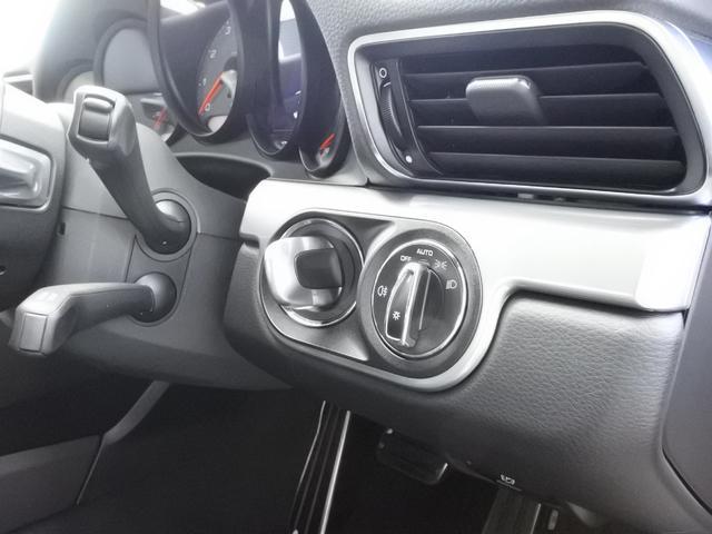 オプション:ポルシェエントリー&ドライブシステム