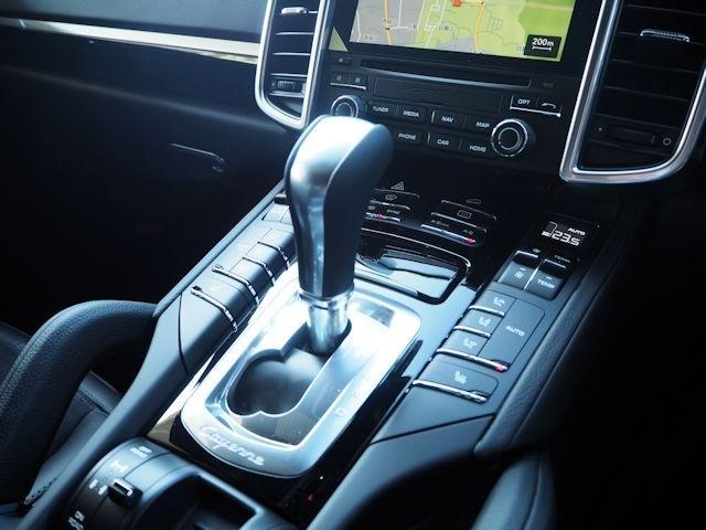ポルシェ ポルシェ カイエン 2017年モデル新車保証継承