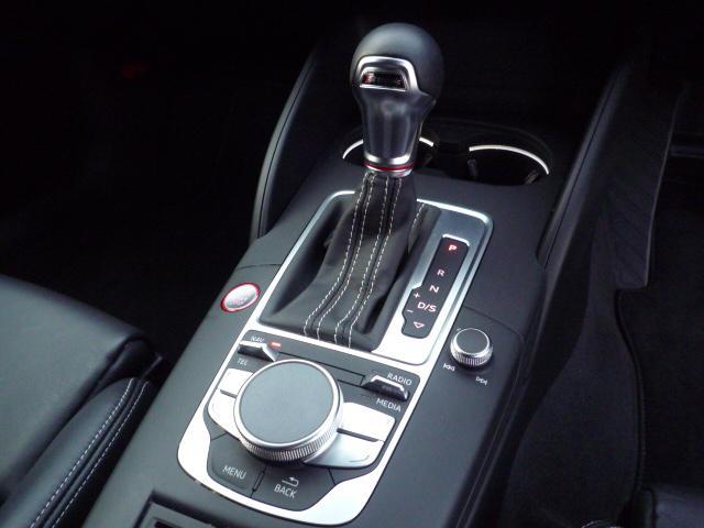 アウディ アウディ S3 スポーツバック LEDライトパッケージ レザーパッケージ