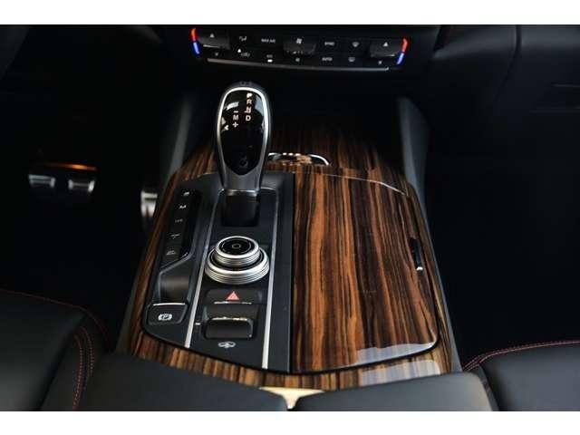 3.0 4WD 法人ワンオーナ車 21AW SR 黒革/赤糸(13枚目)