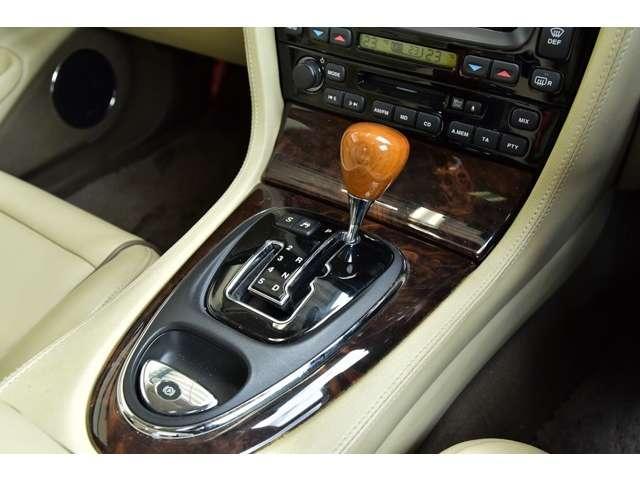 スーパーV8 L ユーザー買取車 ロングボディ(10枚目)