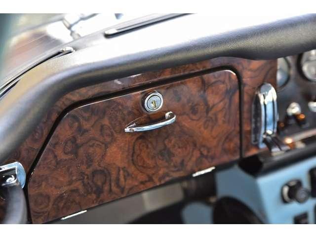 「ジャガー」「ジャガー Eタイプ」「クーペ」「奈良県」の中古車19